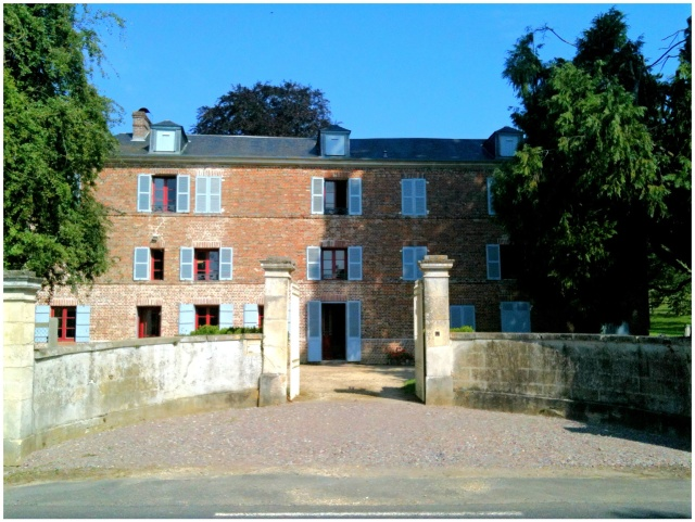 This is Bérnard's parents' house in Auvillars. We stayed here for 3 days and 2 nights.
