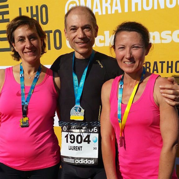 So I mentioned yesterday that Laurent finished another full marathon. Frédérique and her friend Sandrine ran the half. We got this picture today of the trio after the race was complete. Looks like it was a great day!