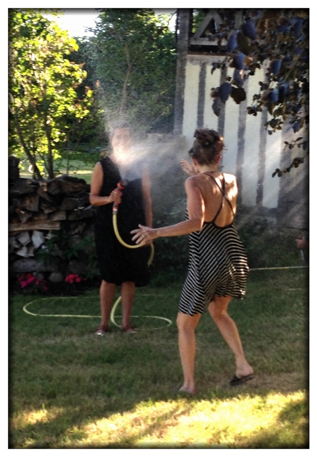 It's another scorcher in France, this time in Normandy. Christine and Melinda took turns cooling each other off.